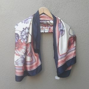 Vince camuto silky floral tulip shrug RUANA scarf